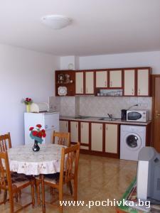 Апартамент България, Поморие