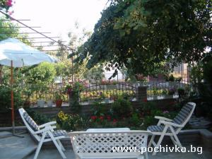 Семеен хотел Костадинови, Черноморец