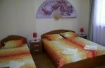 Квартира с три легла
